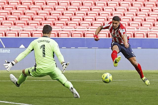 Atlético de Madrid deja ir la victoria en el derbi madrileño