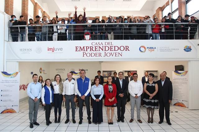 Abren Casa del emprendedor y Feria del empleo para jóvenes