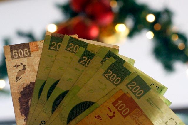 Paga gobierno estatal 1.2 mdp de aguinaldo a secretarios despedidos
