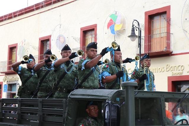 Desfilan por 109 aniversario de la Revolución Mexicana en Atlixco