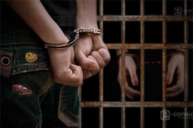 Asaltan a repartidor de gas pero la policía los atrapa
