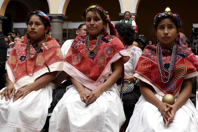 México debe educación de calidad a 12 millones de indígenas: INEE
