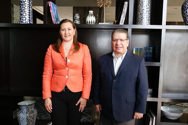 Sostienen encuentro Martha Erika Alonso y Enrique Doger