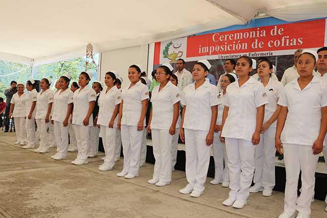 Concluyen estudios de enfermería 124 originarios de pueblos indígenas