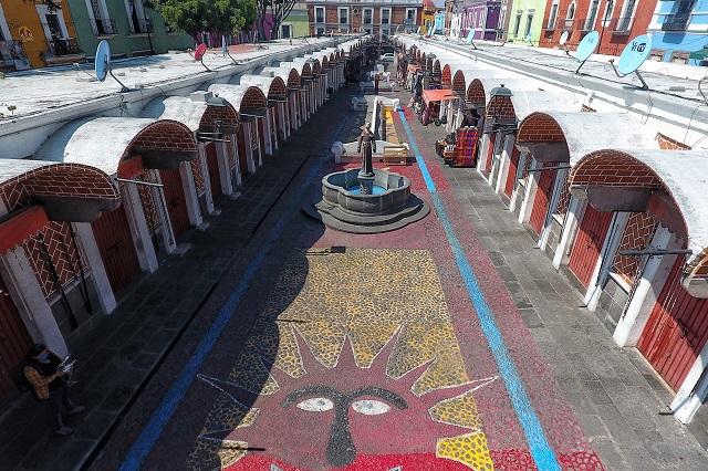 Comerciantes reabren El Parián pese a decreto de Barbosa