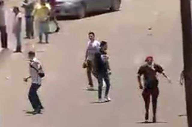 Policías y choferes de mototaxis se enfrentan en de San Gregorio, Xochimilco