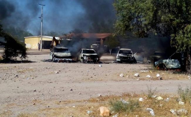 Pleito entre yaquis deja un saldo de un muerto, 3 heridos y 12 vehículos quemados