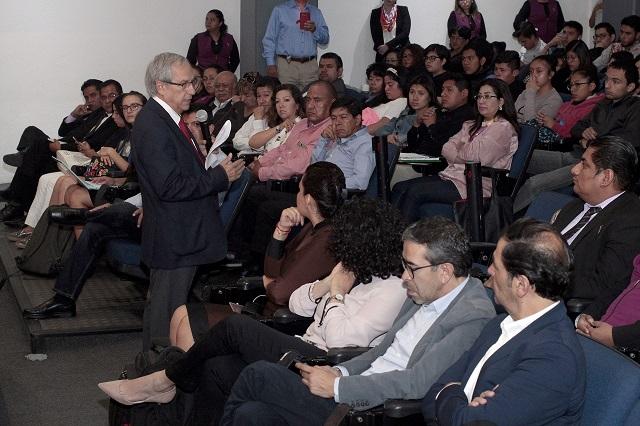 Calcula Cárdenas alcanzar a Barbosa en encuestas en 26 días