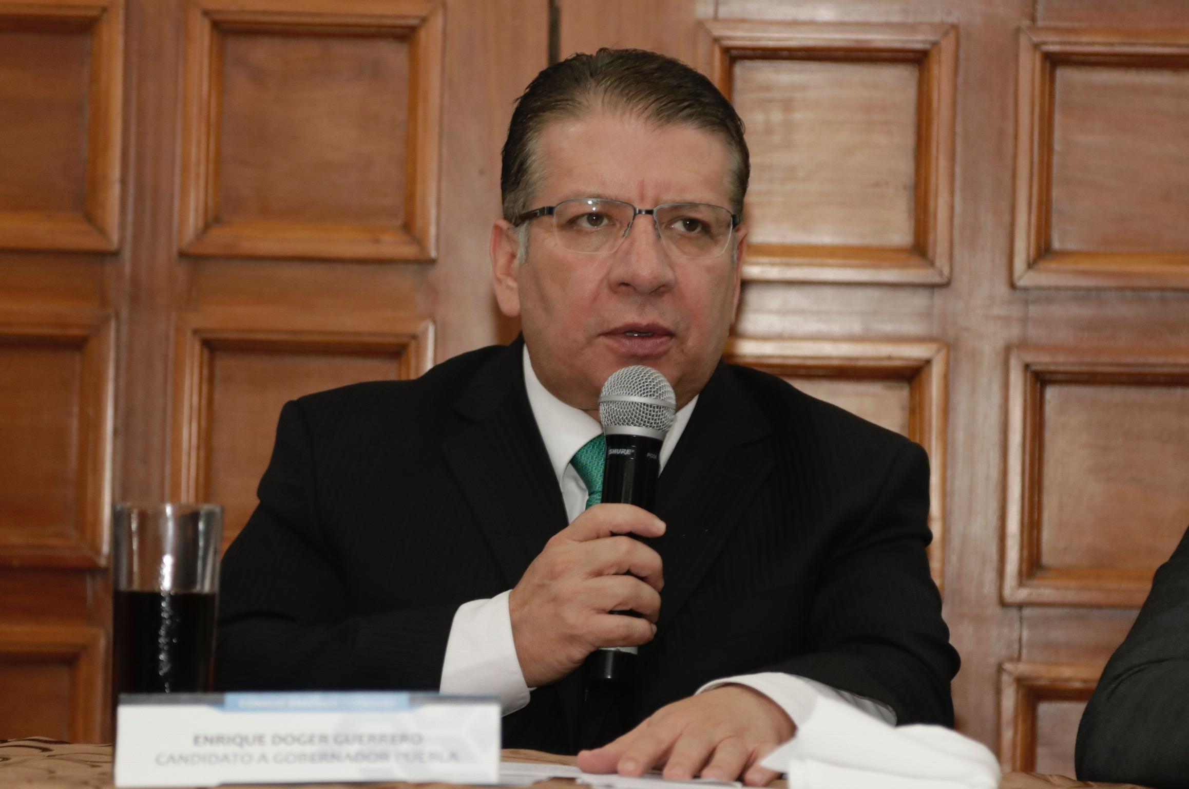 Rechaza Doger divorcio con el líder nacional del PRI, Juárez Cisneros