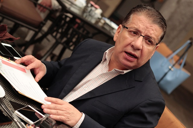 Rechaza Doger negociar votos del PRI con García Almaguer