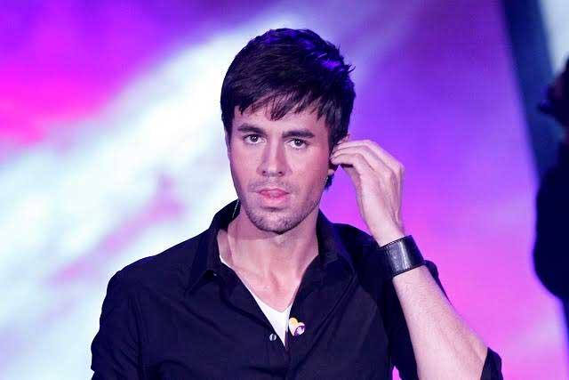 ¿Por qué Enrique Iglesias se unió a Tinder?