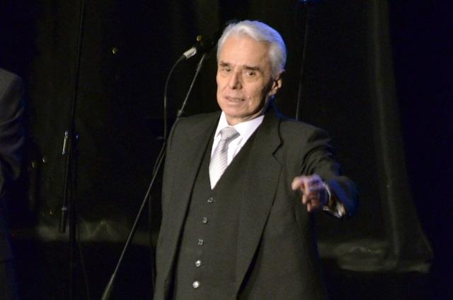 Enrique Guzmán exige que no se metan en cosas personales
