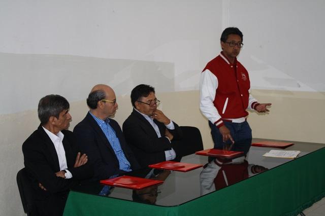 Ibero Puebla concluye cursos dirigidos a docentes normalistas