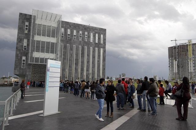 Protestan por entrega selectiva de boletos para Alondra de la Parra