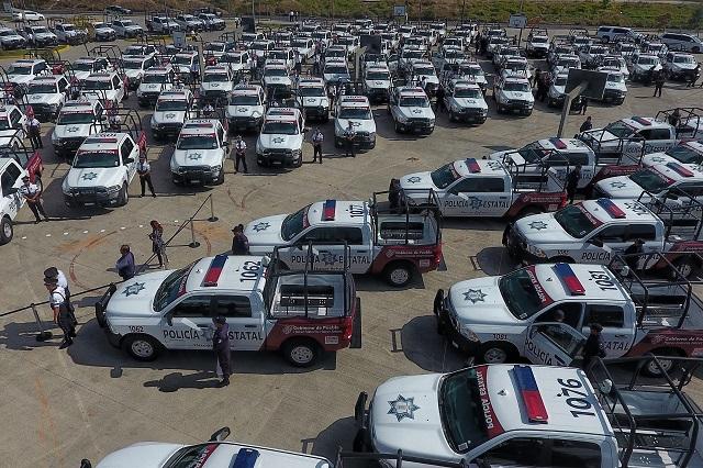 Aún falta equipar las patrullas rentadas en Puebla, dice Barbosa