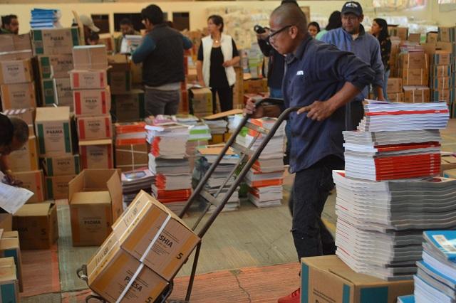 Comienza gobierno entrega de libros de texto gratuitos