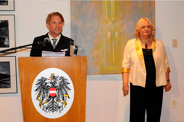 Reconocimiento a Andrés Roemer por la Casa de la Música de Viena en Puebla