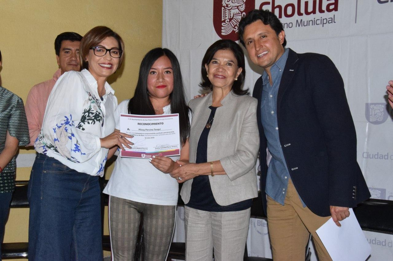 Reconoce gobierno de San Pedro Cholula a sus colaboradores