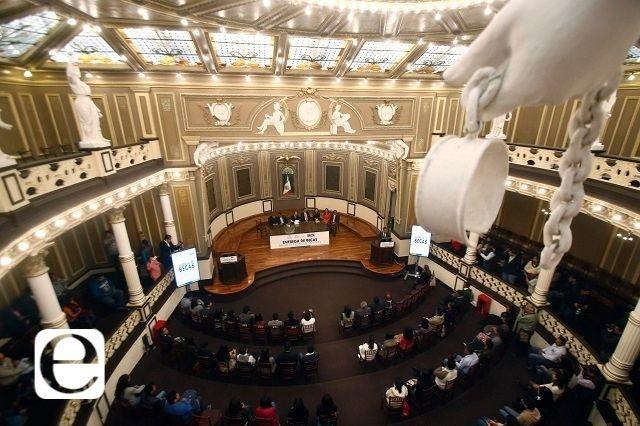 Morena gana 17 de 26 diputaciones locales en Puebla