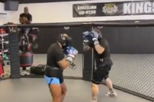 Mike Tyson presume su brutal régimen de entrenamiento; alista nueva pelea