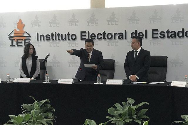 Rinde protesta Miguel Ángel García como presidente del IEE