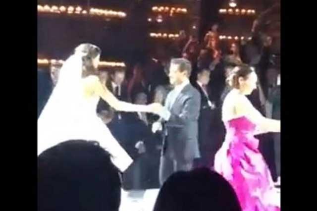 Graban a Peña Nieto bailando en una boda