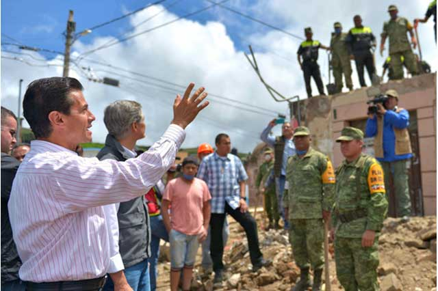 EPN pide no dejarse engañar por lo que se publica en redes sociales