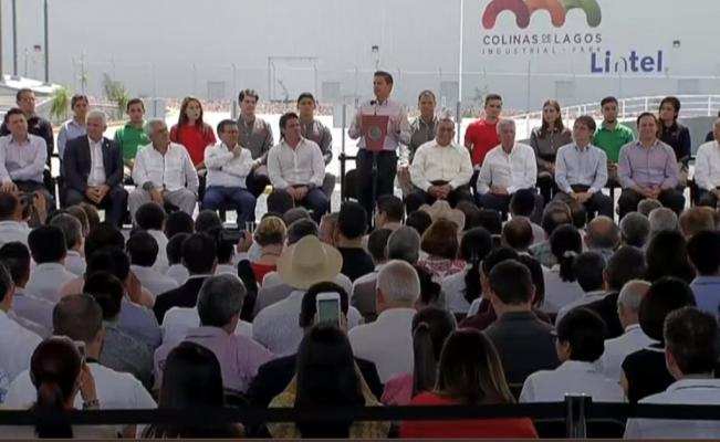 El presidente Peña Nieto afirma que hasta él se siente espiado