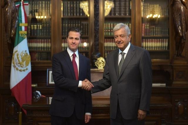 Imágenes del histórico encuentro entre AMLO y EPN