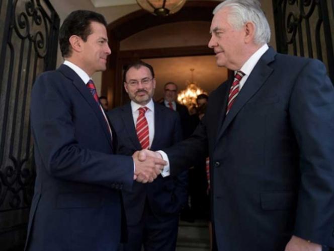 EPN acuerda con Rex Tillerson fortalecer la relación México-EU