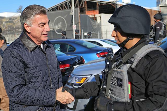 Gali entrega vehículos y equipo a la Fiscalía General del Estado