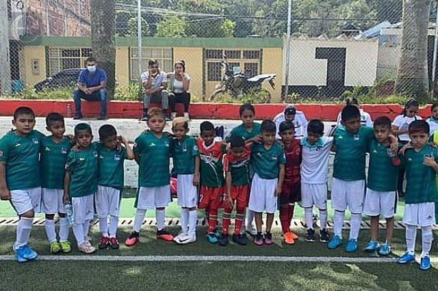 Equipo de futbol infantil queda subcampeón en Colombia