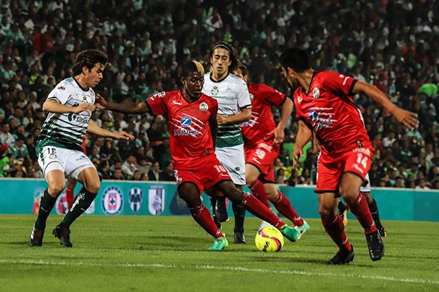 Acierto y error para los equipos poblanos: Lobos último, Puebla cuarto
