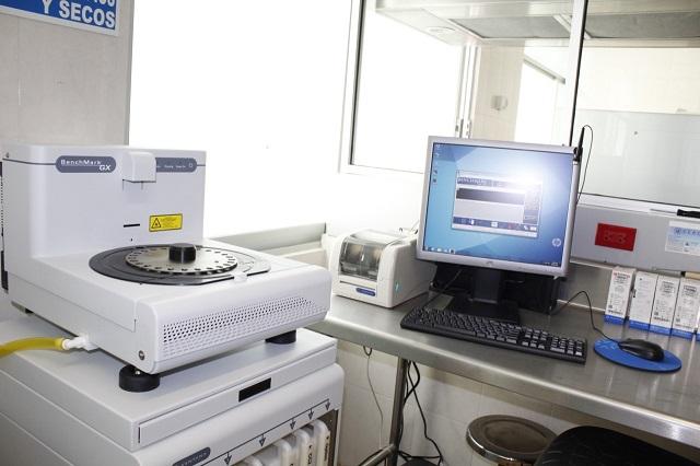 Moderniza Issstep su servicio de patología con nuevo equipo