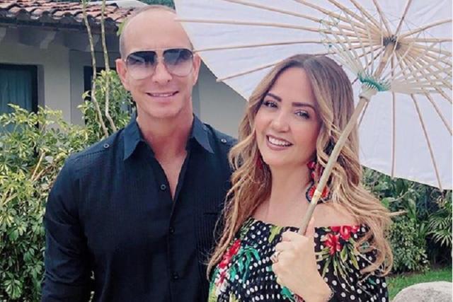 Erik Rubín explica qué hacía en Cancún sin Andrea Legarreta y fotos con chica