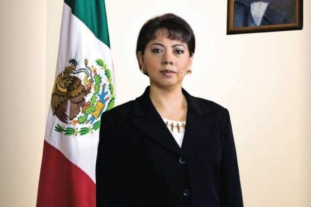 Denuncian a Ernestina Fernández por permisos ilícitos en Tehuacán