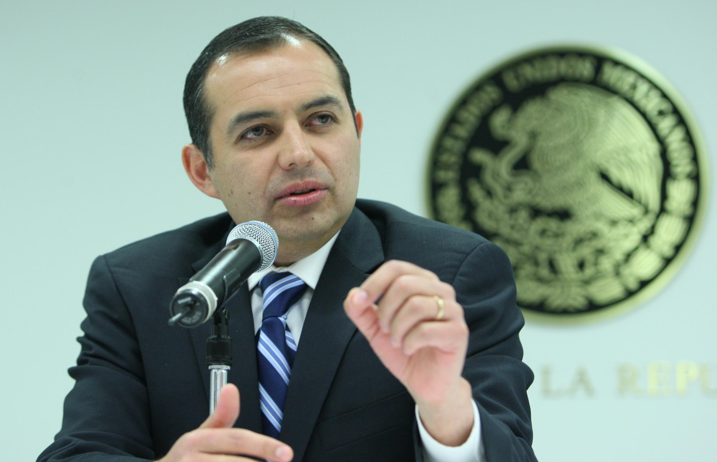 Senado llamará al ex fiscal  Santiago Nieto y a Alberto Elías