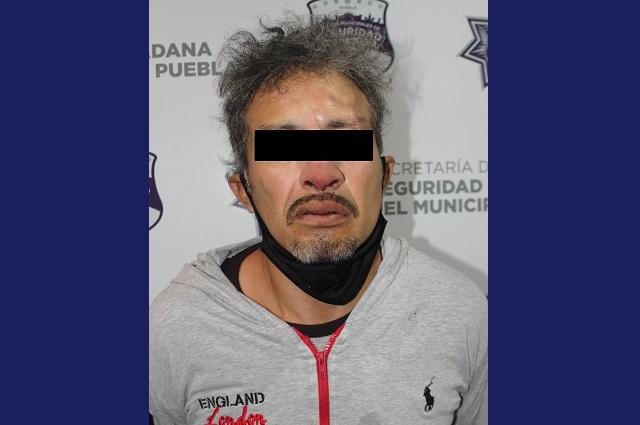 Policías persiguen y atrapan a asaltantes de Oxxo en Puebla