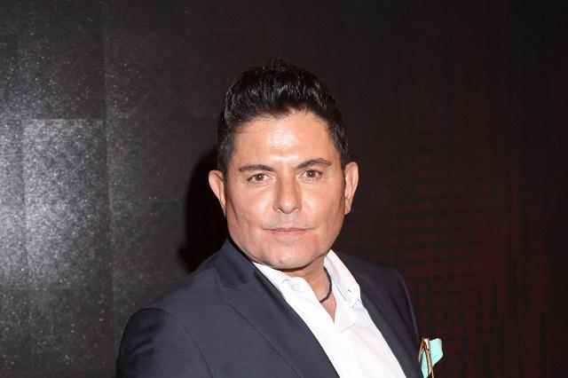 Ernesto Laguardia regresa a México a pedir trabajo por crisis tras la pandemia