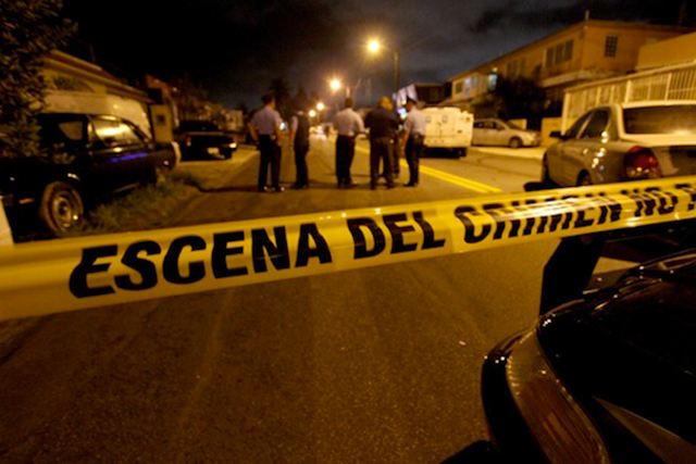 Ejecutan de 22 balazos a una pareja dentro de una camioneta