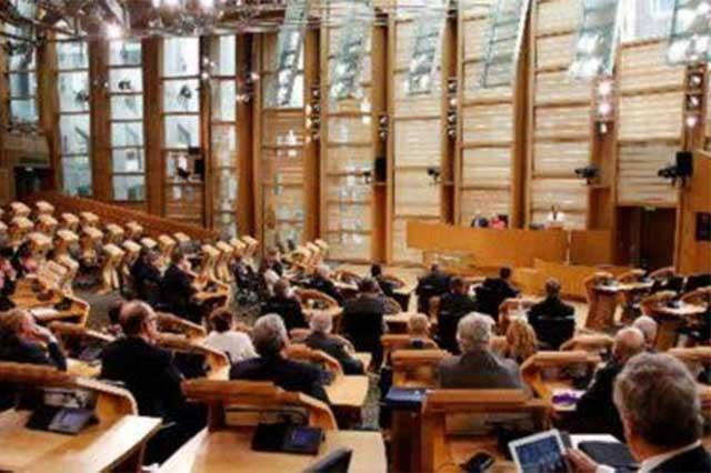 Escocia se opone a que Reino Unido inicie el brexit