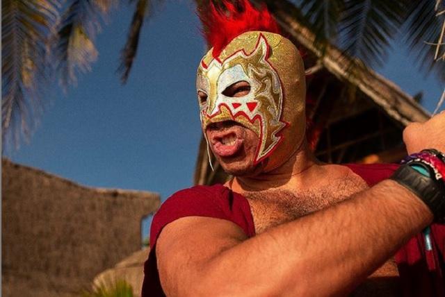 El Escorpión Dorado quiere subir a su auto a Ricardo Salinas Pliego