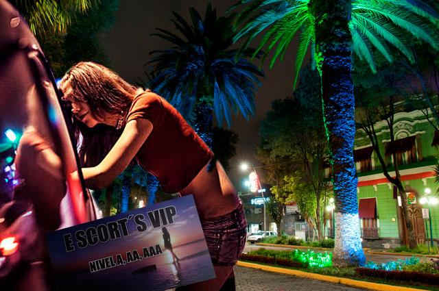 Ahora ofrecen servicios sexuales en esquinas de la Avenida Juárez