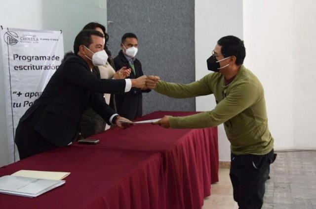 Subsidian en San Pedro Cholula escrituras para certeza jurídica de familias