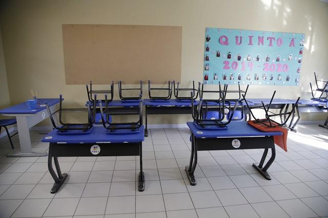 Escuela pide no decir papá ni mamá para evitar discriminación