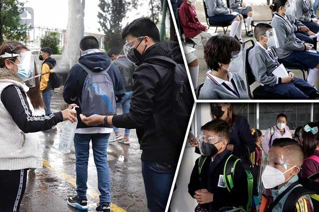 Nervios y algunas lágrimas en regreso a las aulas en Puebla