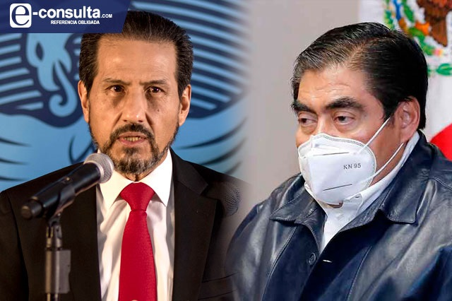 Académicos de la BUAP piden en Palacio Nacional cesar persecución contra Esparza