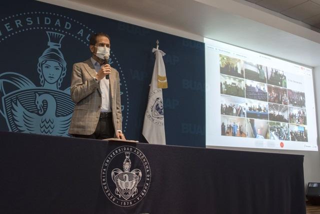 Esparza toma protesta a Consejos de Unidad Académica BUAP