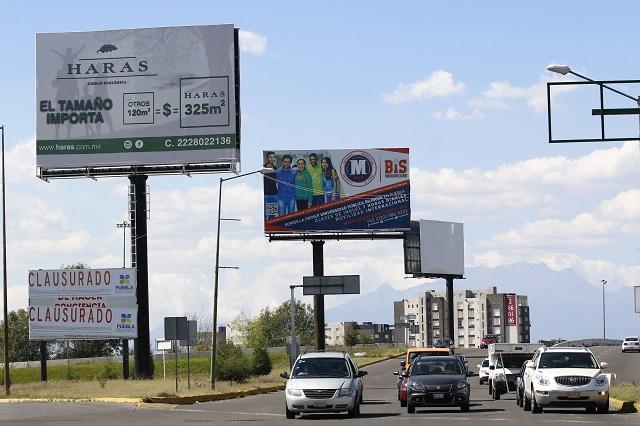 Consienten en Puebla a empresas con permisos para espectaculares