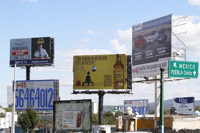 Cancelarán 300 espectaculares ilegales en municipios poblanos